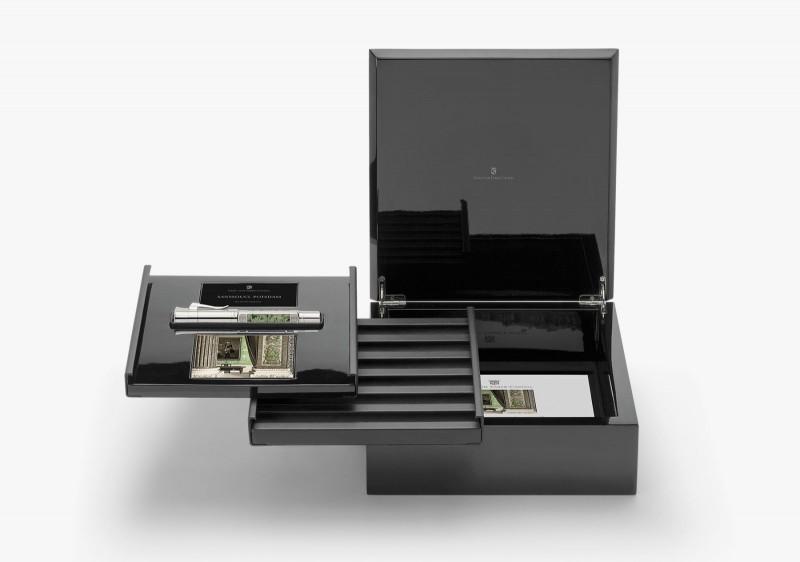 Ручка 2015 года Graf von Faber-Castell в фирменной деревянной коробке