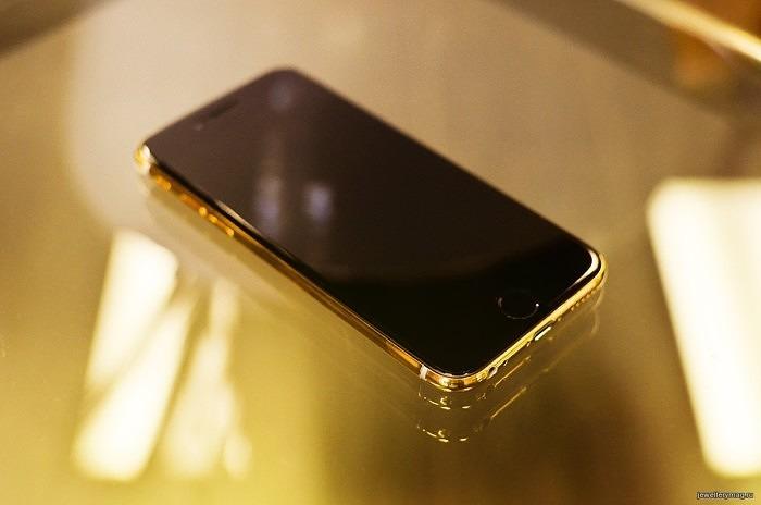 iPhone6 от Vorsteiner и Gold&Co в золотом корпусе экран