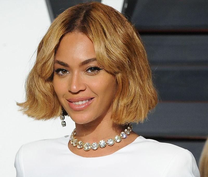 Бейонсе на вечеринке Оскара в роскошном ожерелье с бриллиантами классической огранки