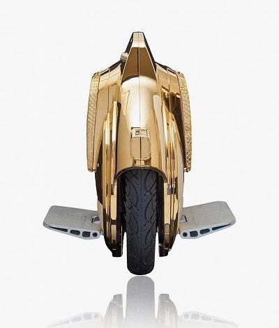 Золотой Segwheel от Goldgenie с элементами из кожи питона