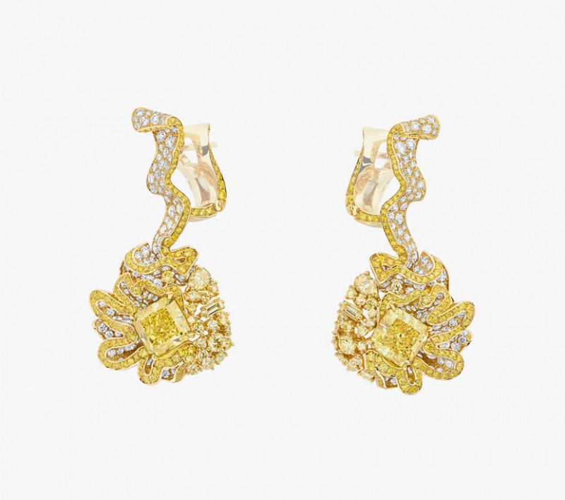 Серьги с желтыми и бесцветными бриллиантами из коллекции Soie Dior