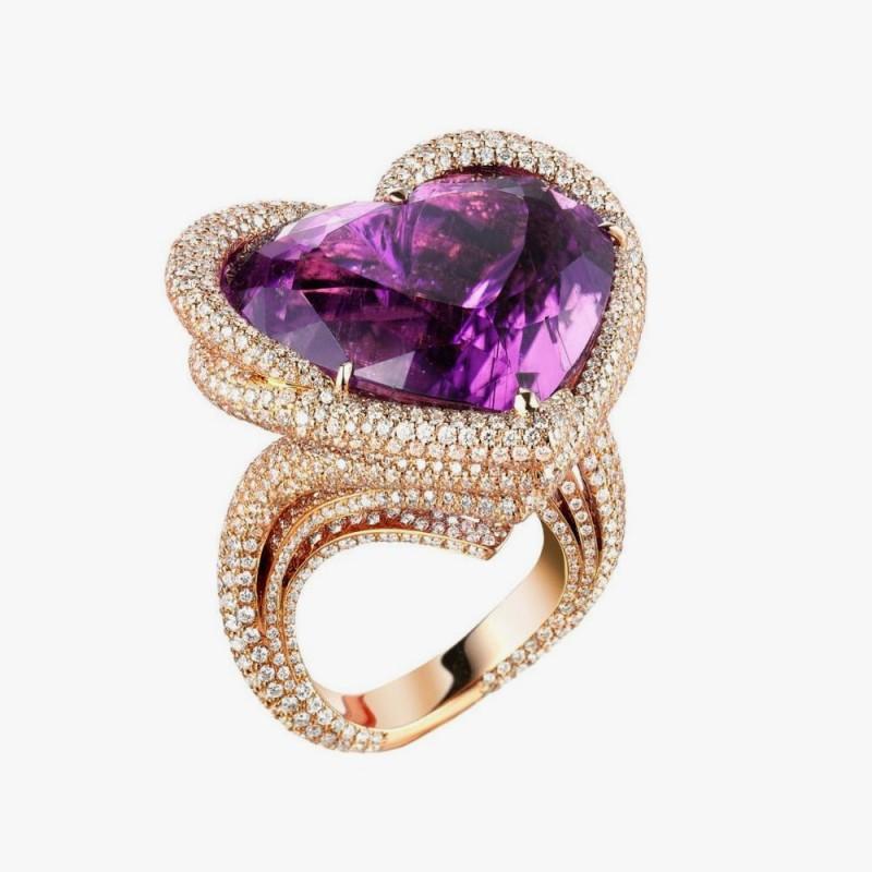 Кольцо от Chopard в форме сердца