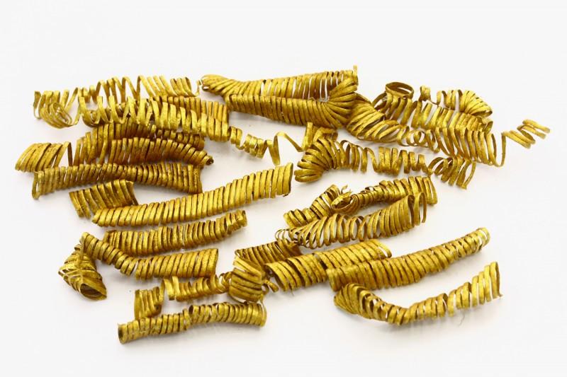 Золотые спиральки, найденные археологами в Дании