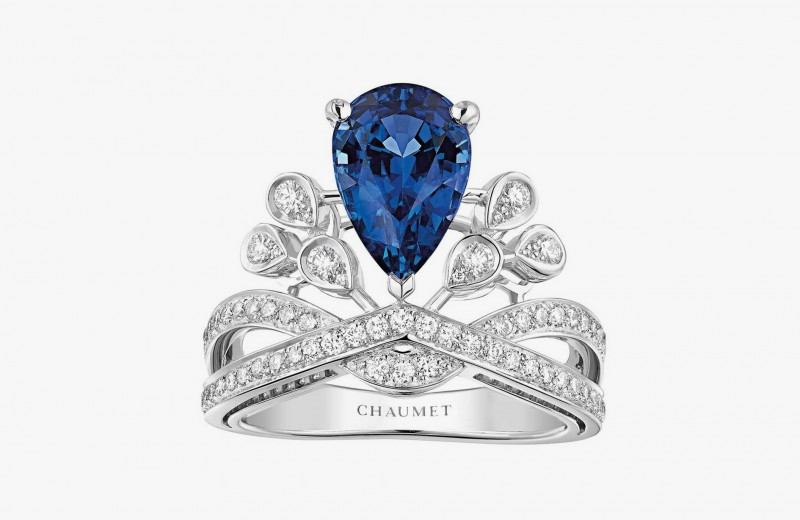 Кольцо Aigrette Impériale с бриллиантами классической и грушевидной огранки и центральным грушевидным сапфиром из коллекции Joséphine от Chaumet