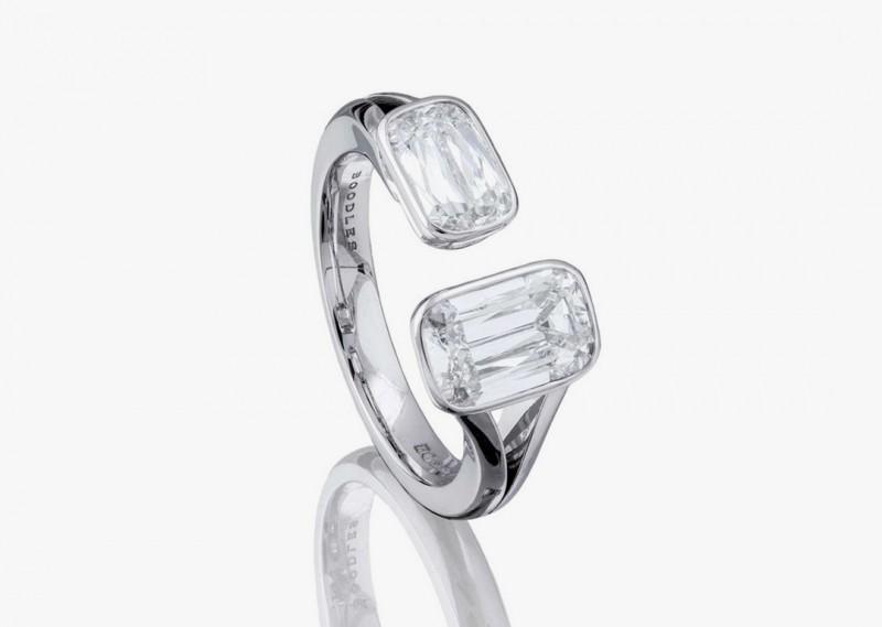 Платиновое кольцо с двумя бриллиантами в огранке «Ашока» из коллекции Pas de Deux от Boodles
