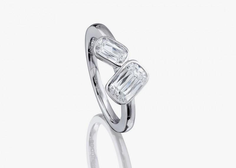 Кольцо с двумя бриллиантами огранки «Ашока» в платине из коллекции Pas de Deux от Boodles
