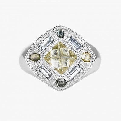 Кольцо из белого золота с алмазами и ограненными бриллиантами разных цветов из коллекции Talisman