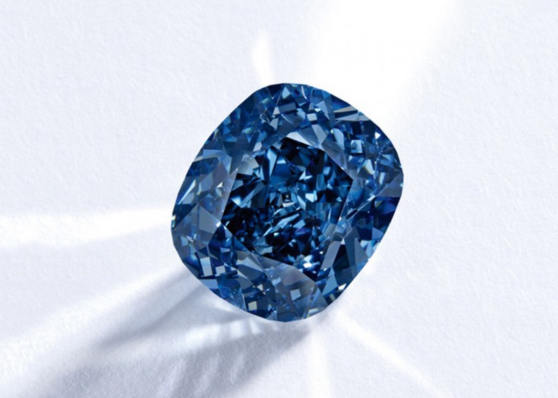 Бриллиант Blue Moon весом 12,03 карата
