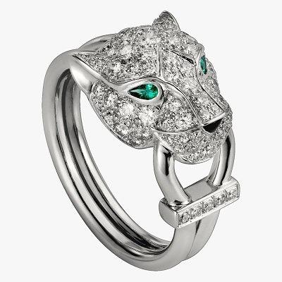 Кольцо-пантера из белого золота с бриллиантами, изумрудами и ониксом от Cartier