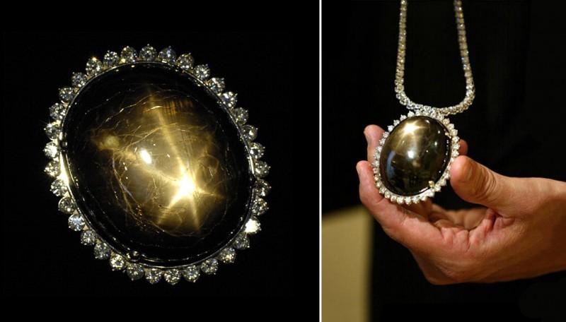 Сапфир Black Star of Queensland весом 733 карата в оправе из бриллиантов. Фото: Hector Mata, Lucas Olenluk