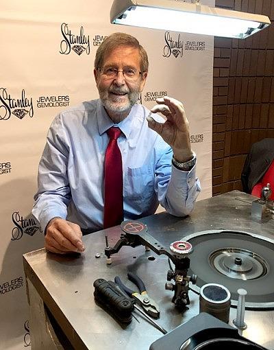 Мастер огранки Майк Бота взялся за обработку алмаза Esperanza