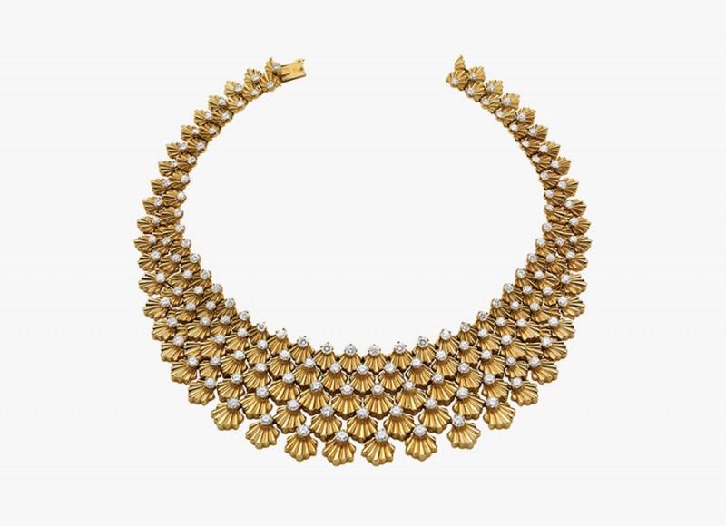 Золотое колье с бриллиантами от Bulgari