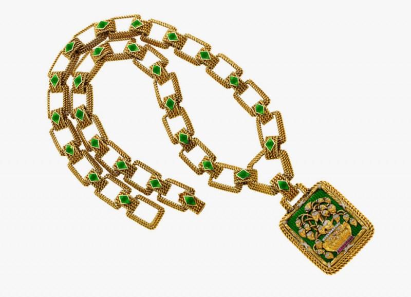 Золотое колье с подвеской от Cazzaniga, украшенной бриллиантами, рубинами и ювелирной эмалью