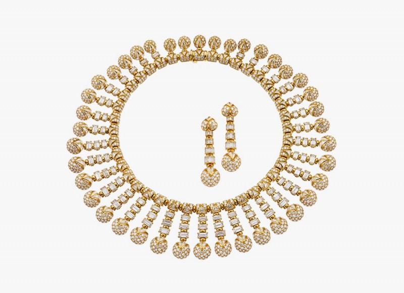 Золотое колье и серьги с бриллиантами от Bulgari