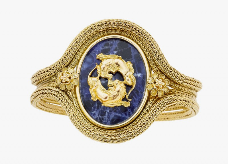 Золотой браслет с содалитом от Lalaounis