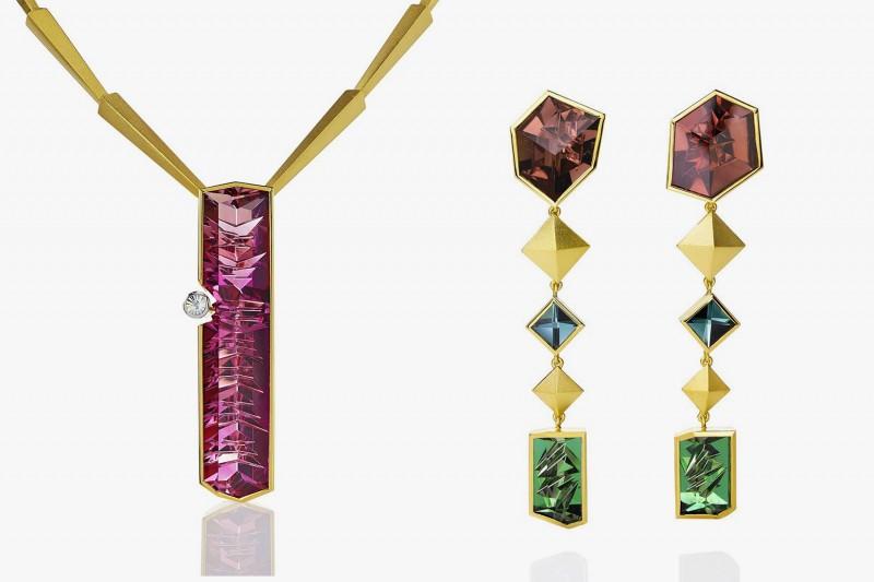 Колье Atelier Munsteiner с турмалином в 52,9 карата и круглым бриллиантом; серьги Atelier Munsteiner из желтого золота с шестью разноцветными турмалинами