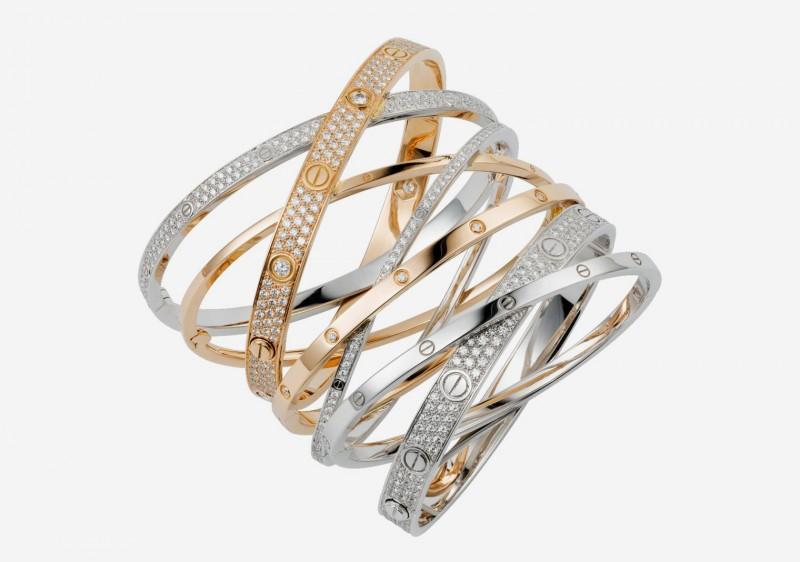 В коллекцию Cartier LOVE входит множество разнообразных браслетов из белого, желтого и розового золота.