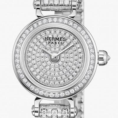 Циферблат часов Faubourg Joaillerie украшен 112 бриллиантами