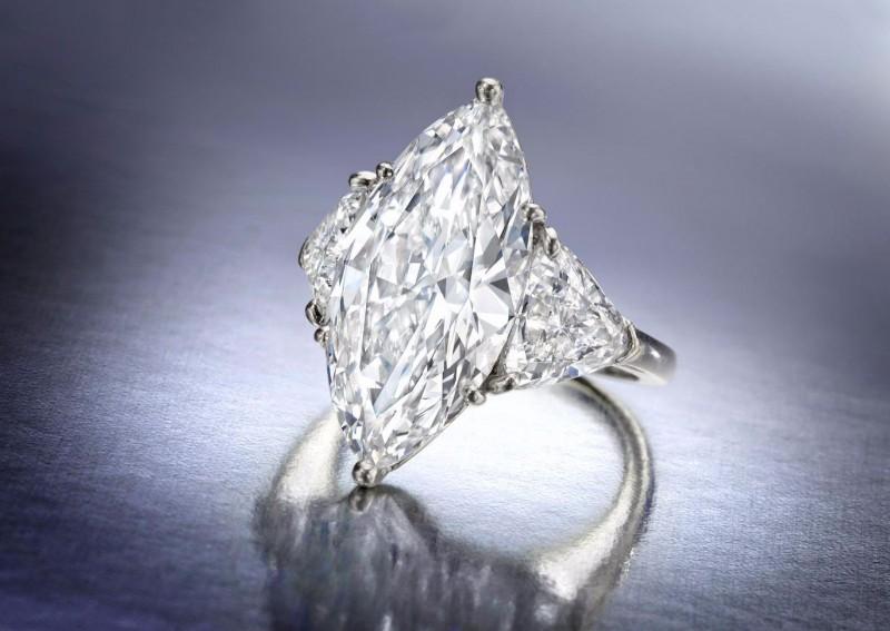 Кольцо с бесцветным бриллиантом «маркиз» 7,19 карата