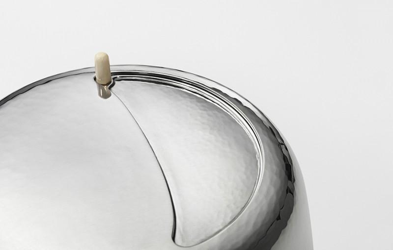 Крышка кофейника с поворотным механизмом открывания