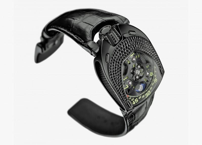 Черная версия часов UR-106 Lotus