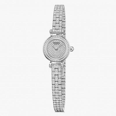 В общей сложности часы Faubourg Joaillerie покрыты 652 бриллиантами высочайшего качества