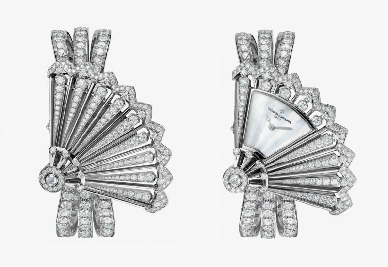 Часы Heure Discrète с ремешком из белого золота, инкрустированным бриллиантами