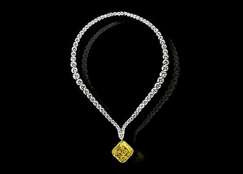 Колье Льва Леваева с желтым бриллиантом