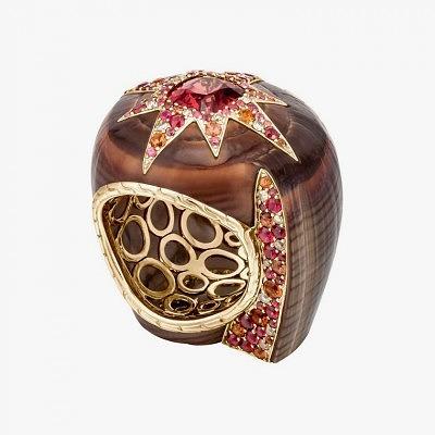 Кольцо от John Hardy из ракушки, украшенной сапфирами и бриллиантами