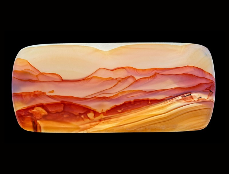 Узоры и рисунки на срезе камня похожи на фантастические пейзажи. Фото: www.demilked.com