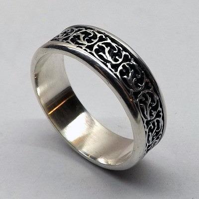 Серебряное кольцо с чернением. Фото: valentin.livemaster.ru