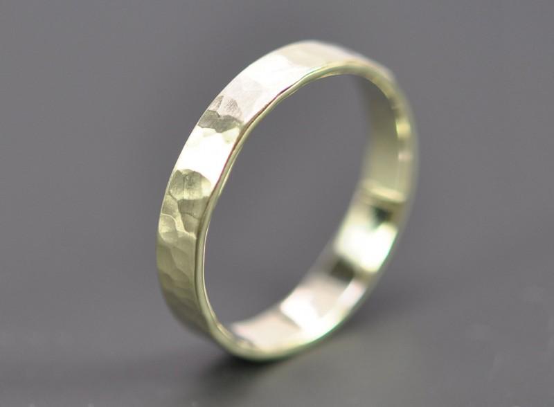 Кольцо из зеленого золота от Sea Babe Jewelry