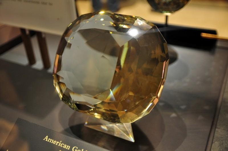 American Golden Topaz выставлен в Смитсоновском Институте