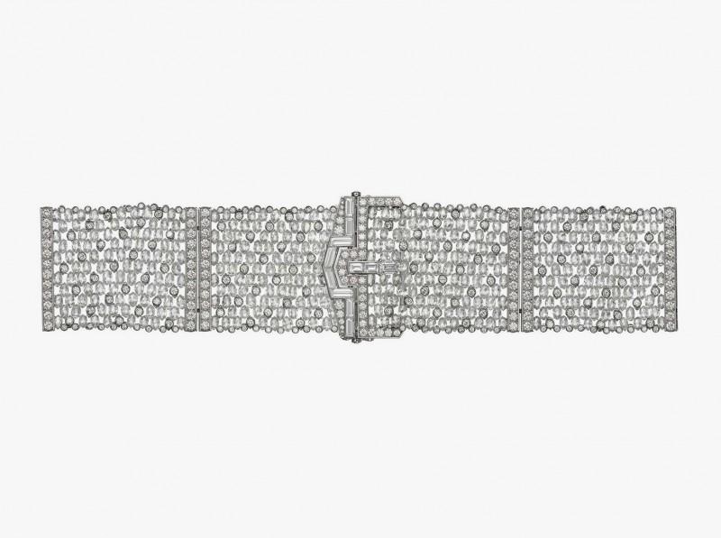 Браслет Diamas в виде сверкающего бриллиантового пояса с пряжкой