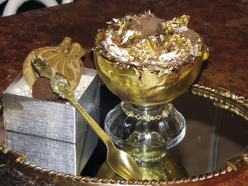 Мороженое Frrrozen Haute Chocolate стоимостью 25000 долларов