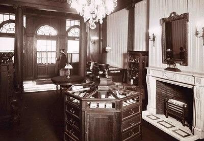 Интерьер первого магазина Фаберже в Санкт-Петербурге
