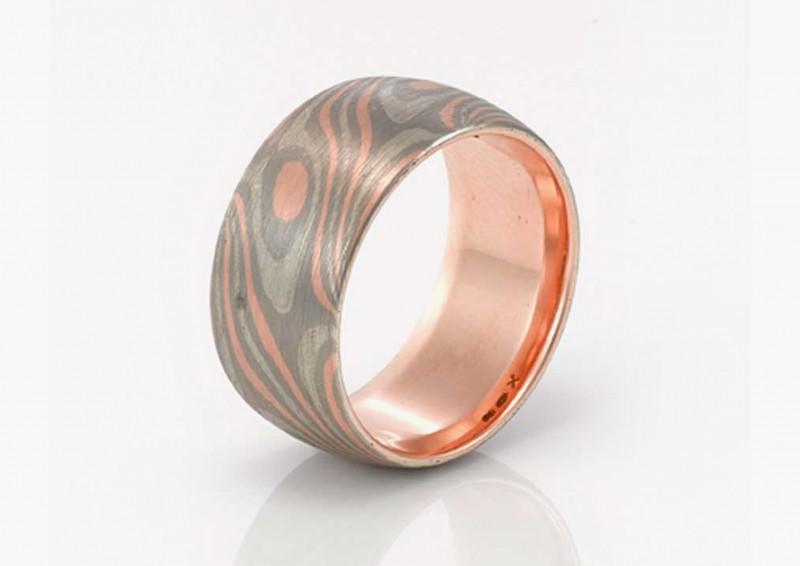 Мужское обручальное кольцо Nadia Neuman, выполненное в технике мокуме гане