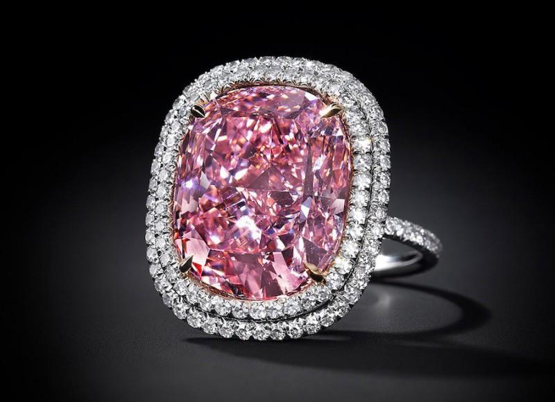 Бриллиант Sweet Josephine весом 16,08 карата, проданный за 28 миллионов долларов. Фото: Christie's