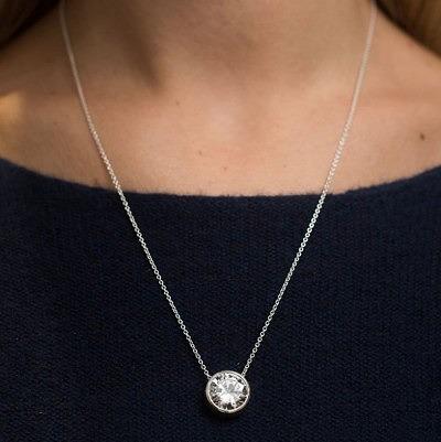 Центральный бриллиант звезды можно извлечь и носить в качестве кулона