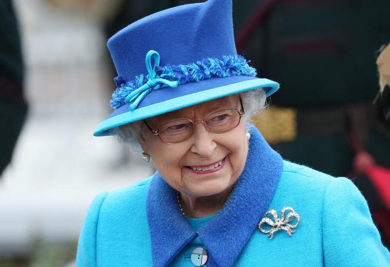 Во время торжественной речи в Шотландии королева Елизавета II надела брошь-бант королевы Виктории. Фото: Scott Heppell