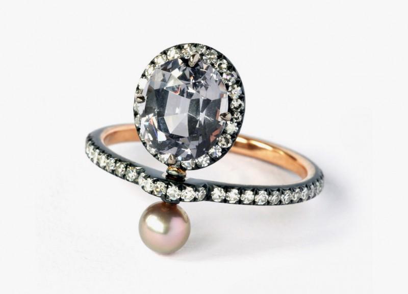 Кольцо с жемчугом, бриллиантами и шпинелью