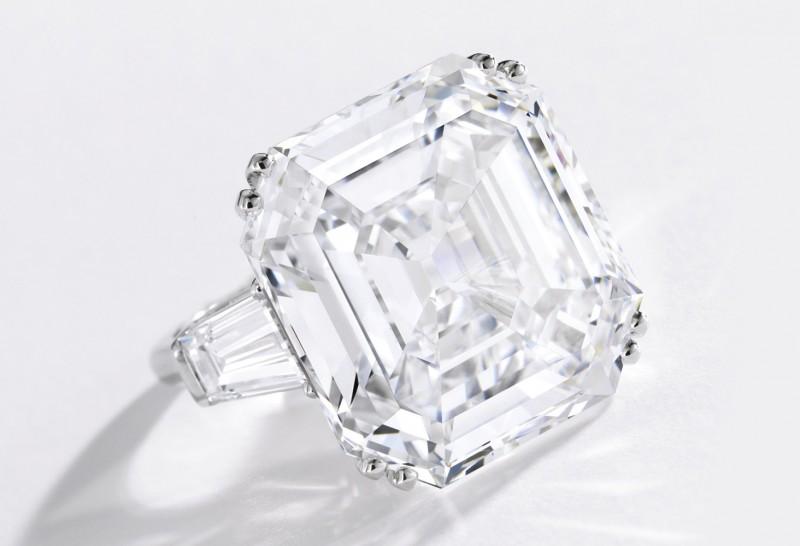 Исключительное бриллиантовое кольцо