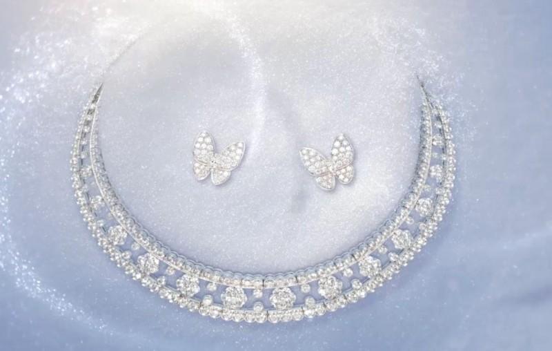 Украшения из коллекции Diamond Breeze
