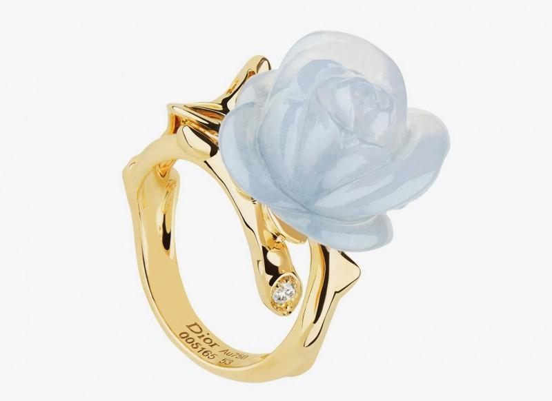 Кольцо Dior с розой из голубого халцедона