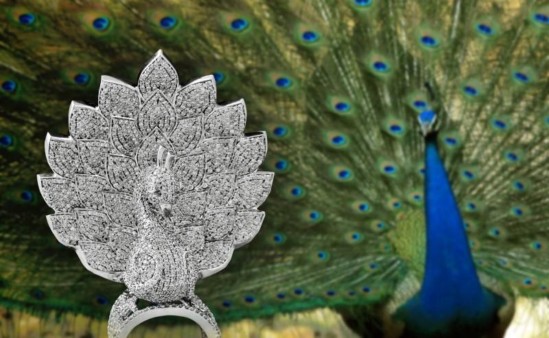 Кольцо-павлин от Savio Jewellery, вид спереди