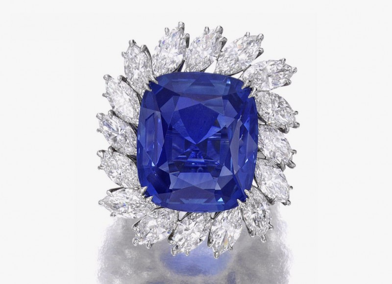 Кольцо с цейлонским сапфиром и бриллиантами