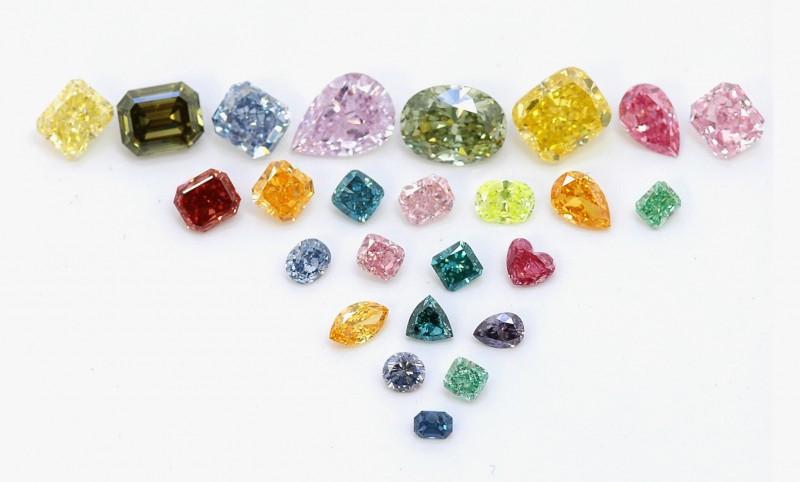 Природные фантазийные бриллианты компании Leibish & Co.