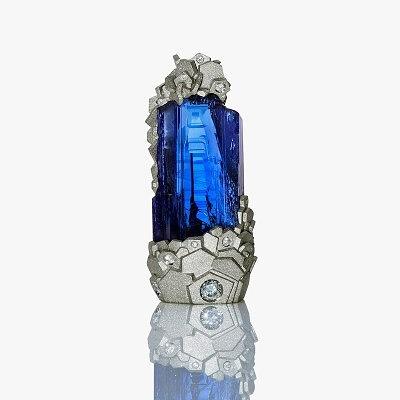 Кулон L'Exceptionnelle из белого золота с танзанитом и бриллиантами от Ornella Lannuzzi