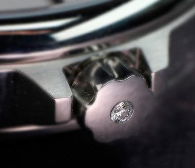 Часы Langenthal Identity Inside с капсулой ДНК, спрятанной за бриллиантом в головке подзавода