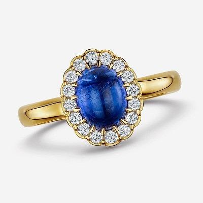 Обручальное кольцо Andrew Geoghegan с танзанитом в окружении бриллиантов из коллекции Cannelé Cabochon